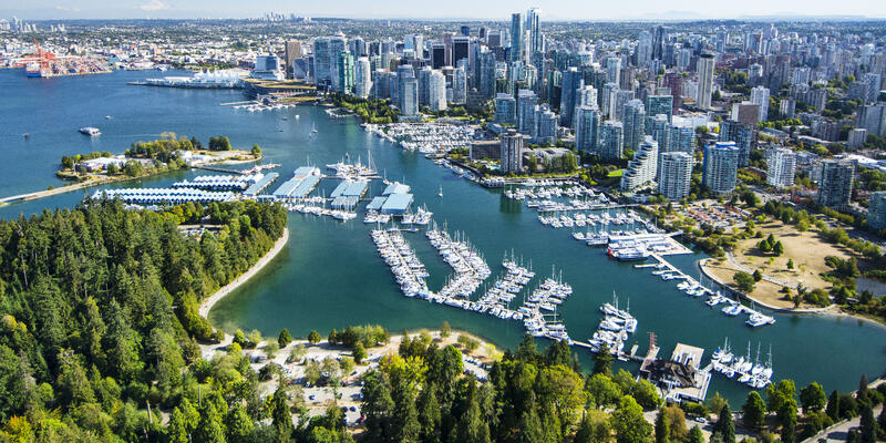 Stanley Park, Coal Harbor and Vancouver, BC, Canada (Photo: Russ Heinl/Shutterstock)