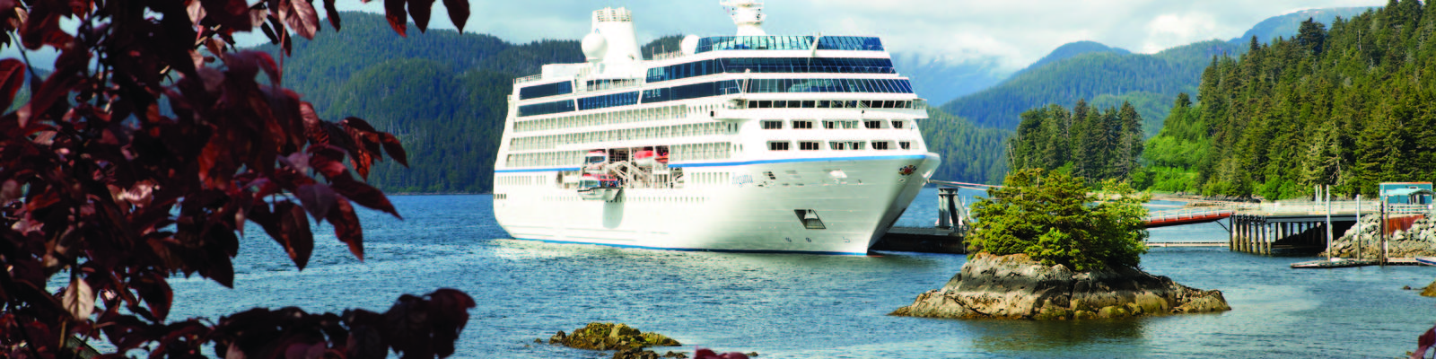 Oceania's Regatta in Alaska (Photo: Oceania Cruises)
