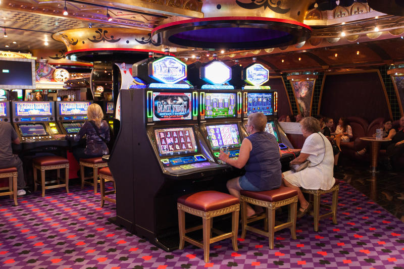Royal Flush Casino on Carnival Splendor
