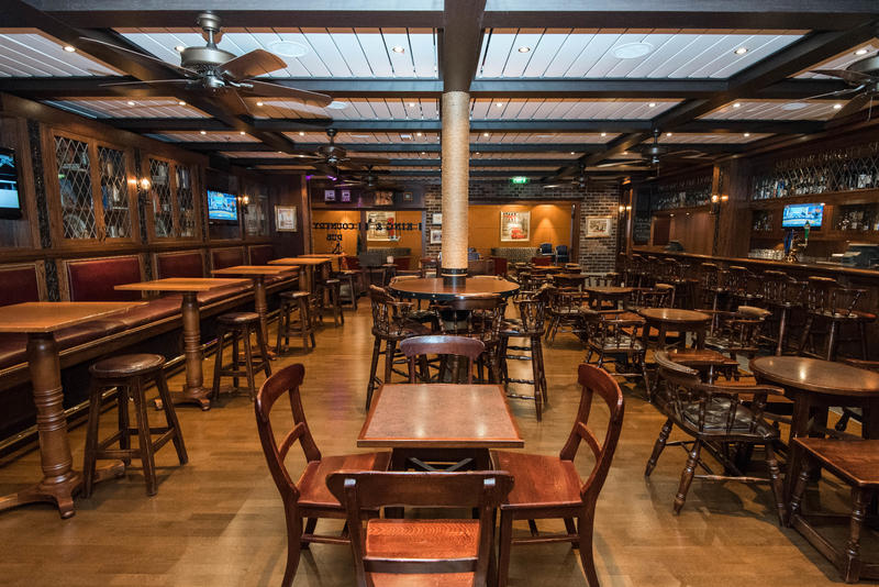 King & Country Pub on Brilliance of the Seas