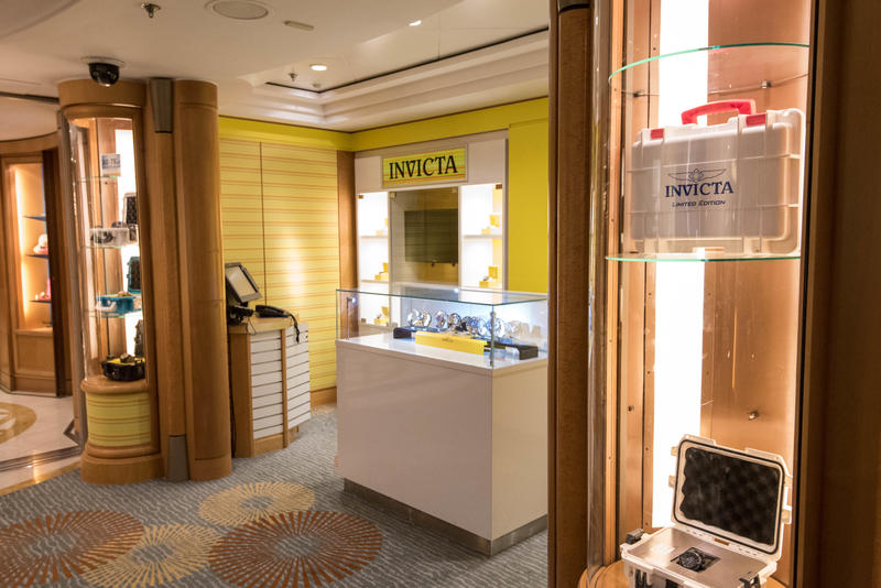 Centrum Shops on Brilliance of the Seas