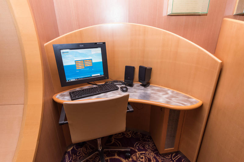 Internet Cafe on Brilliance of the Seas