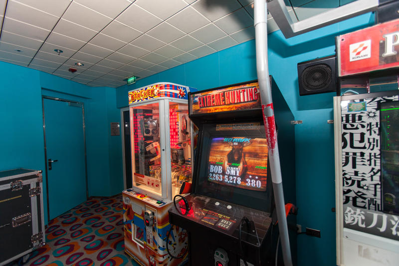Arcade on Celebrity Constellation