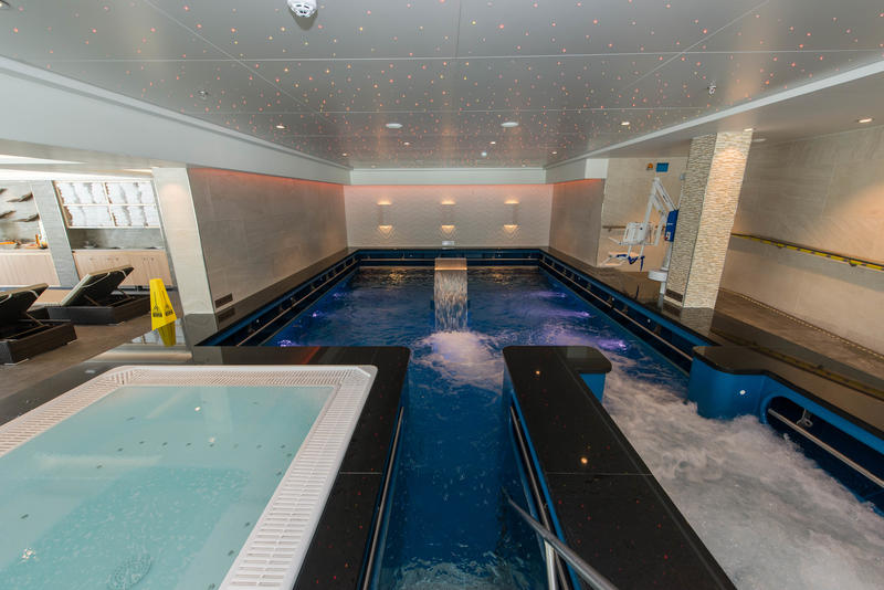 Vitality Pool on Norwegian Escape