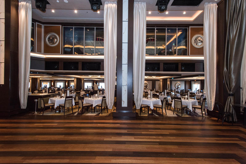 The Manhattan Room on Norwegian Epic