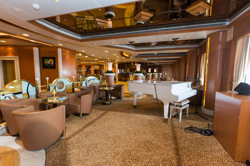 Crooners Lounge & Bar on Caribbean Princess