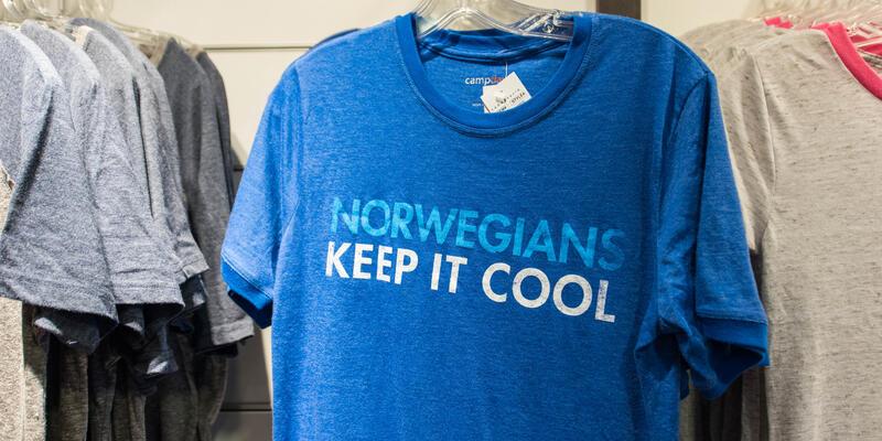 Tides Boutique on Norwegian Breakaway (Photo: Cruise Critic)
