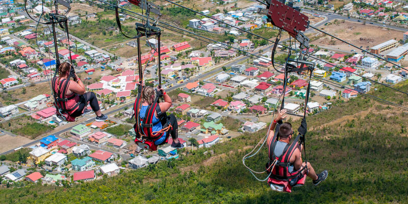 Zip line excursion in St Maarten (Photo: Martin Wheeler III/Shutterstock)