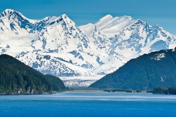 The Inside Passage of Alaska (Photo: Ruth Peterkin/Shutterstock)