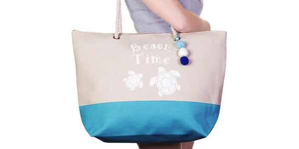 Tote Beach Bag with Top Zipper Closure, Rope Handles (Photo: Amazon)
