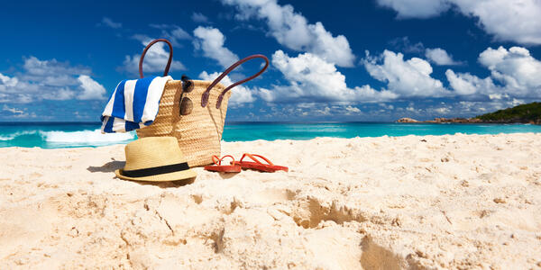 Tote bag packed for a beach day (Photo: haveseen/Shutterstock)
