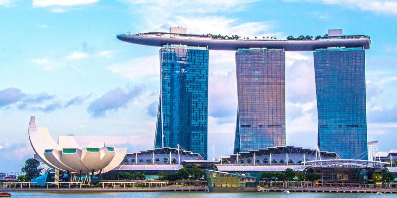 Marina Bay Sands Hotel, Singapore (Photo: Vichy Dea/Shutterstock)