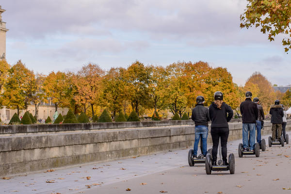 Group segway tour in Paris, France (Photo: Oleg Mikhaylov/Shutterstock)