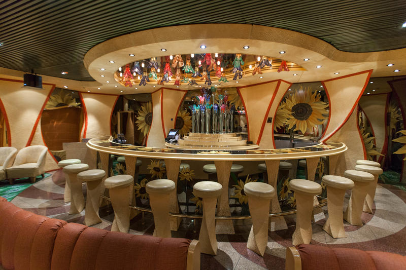 Vincent's Jazz Bar on Carnival Conquest