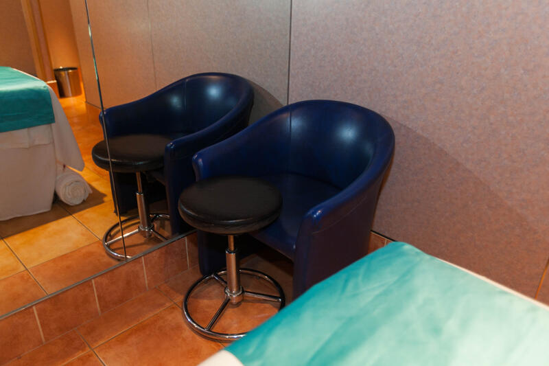 Couples Massage Treatment Room on Carnival Conquest