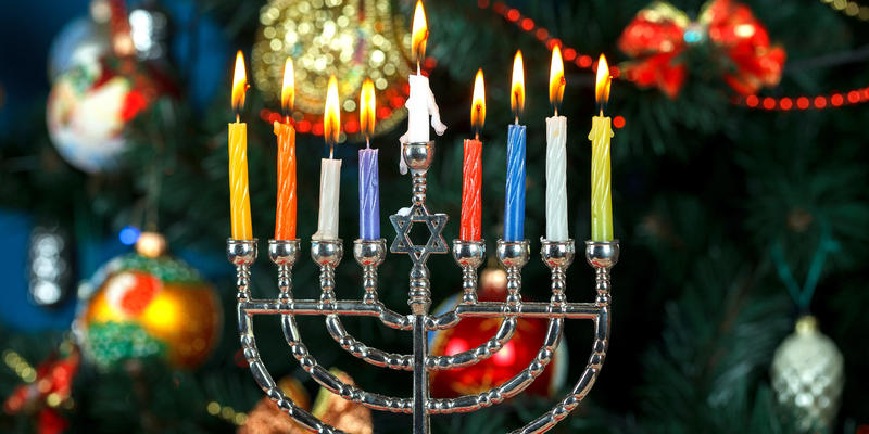 Hanukkah and Christmas Cruises: A Guide to Onboard Festivities (Photo: alex_gor/Shutterstock)