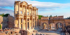Celsus Library in Ephesus, Turkey (Photo: muratart/Shutterstock)