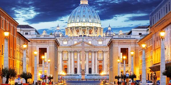 The Papal Basilica of Saint Peter in the Vatican (Photo: TTstudio/Shutterstock)