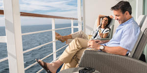 Couple on Balcony (Photo: Regent Seven Seas)