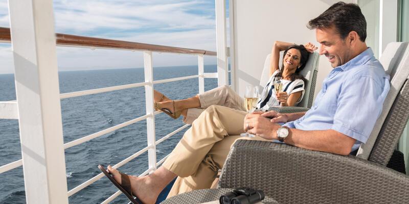 Couple on Balcony (Photo: Regent Seven Seas)
