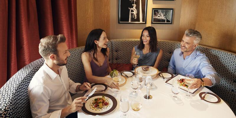 Friends Eating Dinner in the Verandah (Photo: Cunard)
