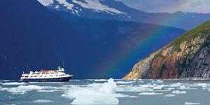 National Geographic Sea Bird ship in Alaska  (Photo: Lindblad Expeditions)