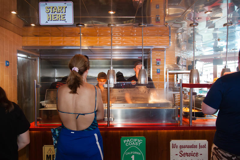Guy's Burger Joint on Carnival Glory Cruise Ship - Cruise ...