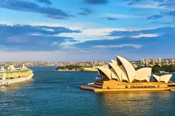 10 Stupid Questions You Should Never Ask on an Australia Cruise (Leonid Andronov/Shutterstock.com)