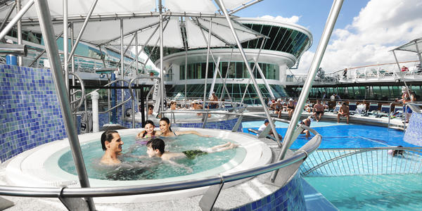 Family Time on Grandeur of the Seas (Photo: Royal Caribbean International)