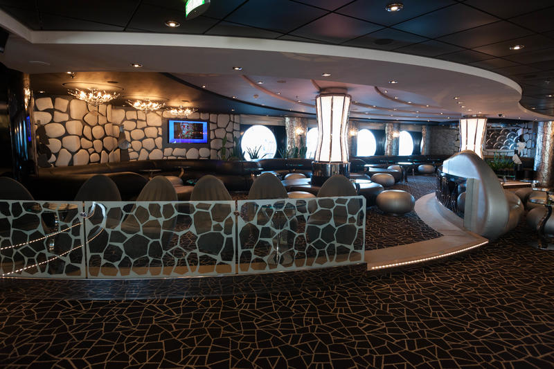 Black and White Lounge on MSC Divina