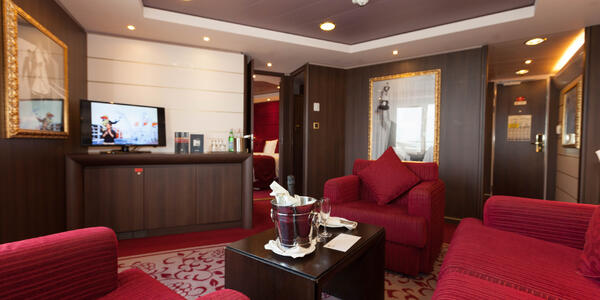 The Sophia Loren Royal Suite on MSC Divina (Photo: Cruise Critic)