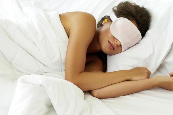 Best Travel Sleep Aids: 7 Ways to Sleep Better on Your Cruise (Photo: BLACKDAY/Shutterstock)