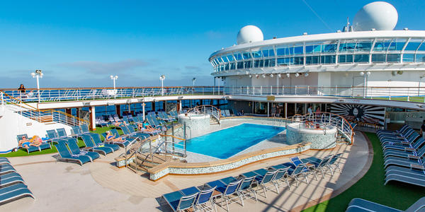 Neptune's Reef & Pool on Ruby Princess (Photo: Cruise Critic)