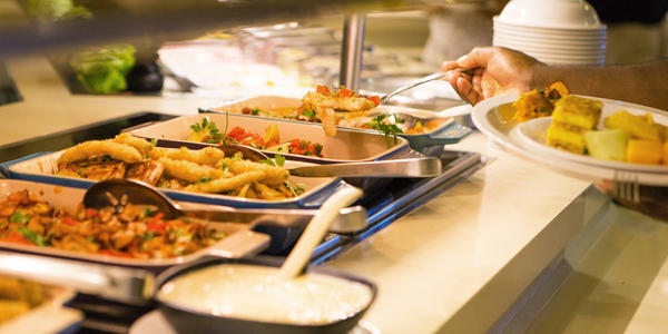 Skip the buffet on embarkation day (Photo: Carnival Cruise Line)