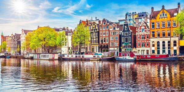 Amsterdam (Photo: Yasonya/Shutterstock.com)