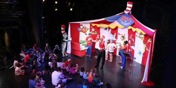 Suess-a-Palooza Storytime and Parade (Photo: Carnival Cruise Line)