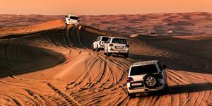Dune Bashing in Dubai (Photo: cristian.v/Shutterstock.com)