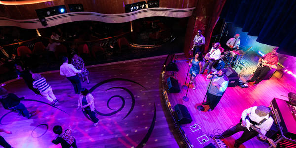 B.B. King's Blues Club on Koningsdam (Photo: Cruise Critic)