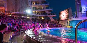 Aqua Theater Performance on Oasis of the Seas (Photo: Cruise Critic)