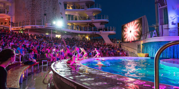 Aqua Theater Performance on Oasis of the Seas (Photo: Cruise Critic)