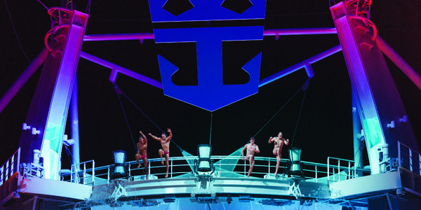 Splish Splash Comedy Dive Show Diving Performance (Photo: Royal Caribbean International)