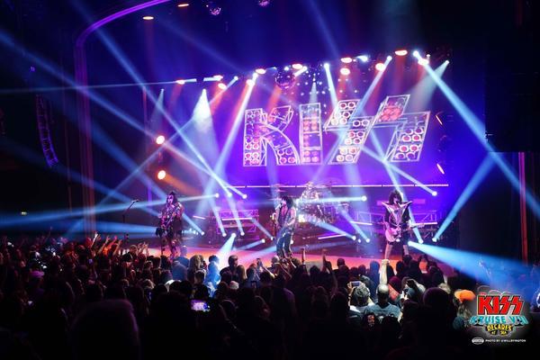 Concert on the 2018 Kiss Kruise (Photo: Will Byington/Sixthman)
