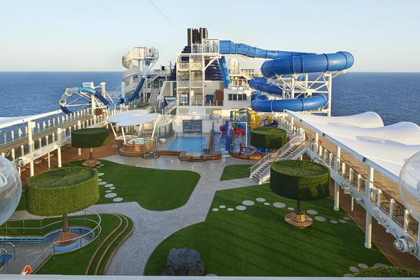 Norwegian Joy's Deck Pool Area (Photo: Norwegian Cruise Line)