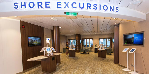 Shore Excursions Desk on Anthem of the Seas (Photo: Cruise Critic)