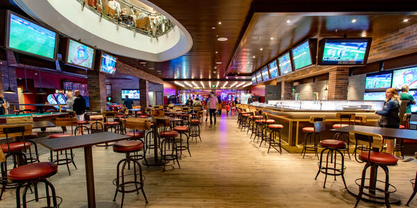 Playmakers Sports Bar & Arcade on Independence of the Seas (Photo: Cruise Critic)