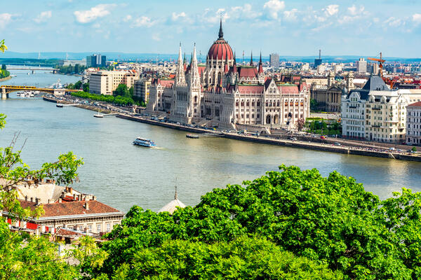 The Hungarian Parliament Building and the Danube River, Hungary (Photo: Mistervlad/Shutterstock)
