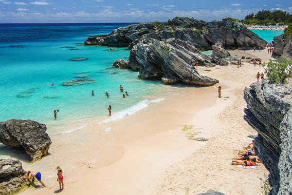 Beyond the Horseshoe Bay, Bermuda (Photo: instacruising/Shutterstock)