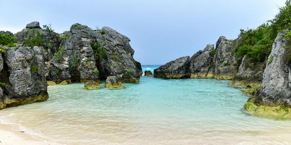 Jobson's Cove, Bermuda (Photo: Felix Lipov/Shutterstock)