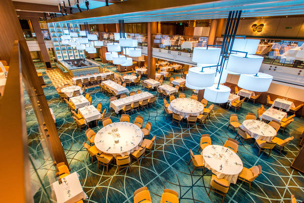 Horizons Restaurant on Carnival Vista (Photo: Cruise Critic)