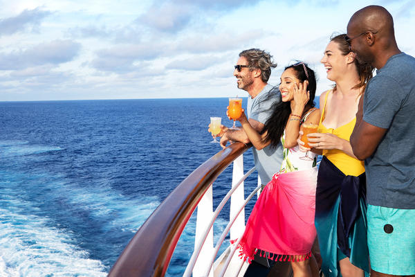 Passengers Enjoying Their Vacation (Photo: Carnival Cruise Line)